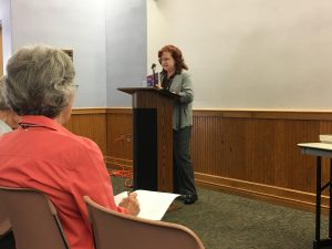 Kassandra Lamb presenting on Integrating Social Issues into Fiction at Writers Alliance of Gainesville, April 2017