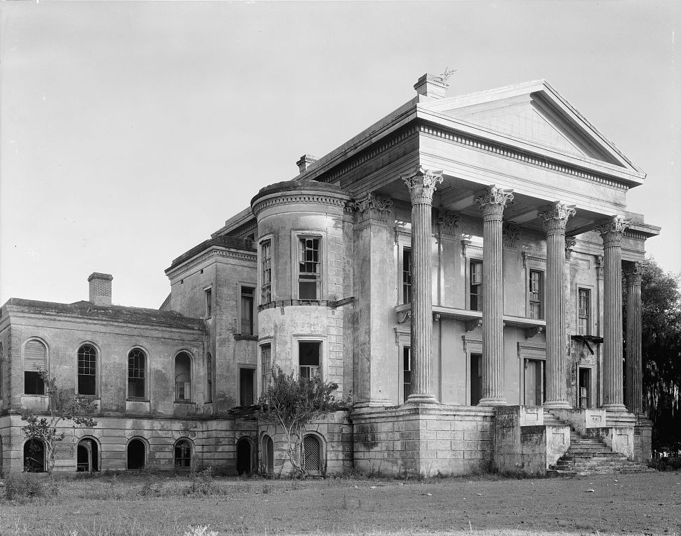 front of Belle Grove